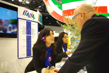 trade_show_hostess_interpreter_ubik7